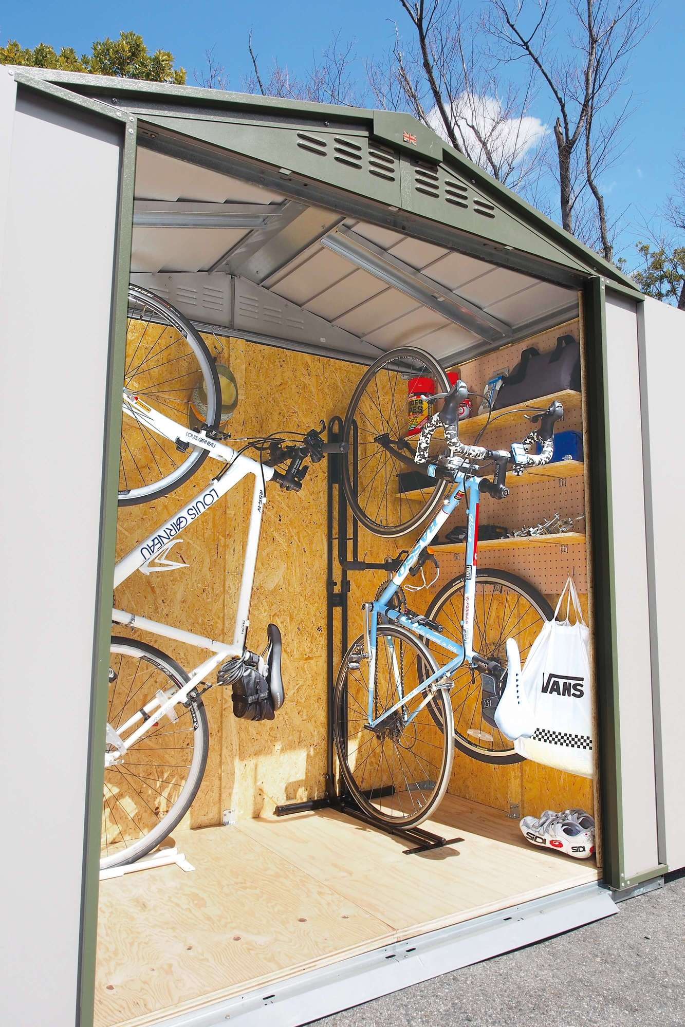 自転車置き場 おしゃれ メタルシェッド