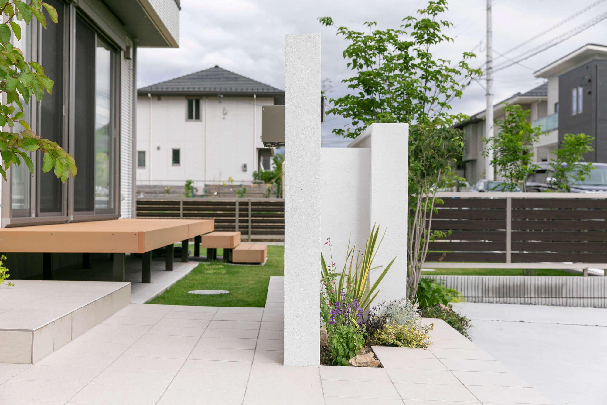 門周り、タイル、門塀、外構、新築外構、植栽