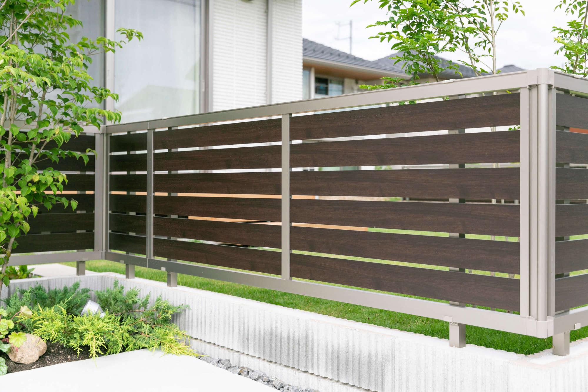 フェンス、目隠しフェンス、エクステリア、庭、外構、植栽