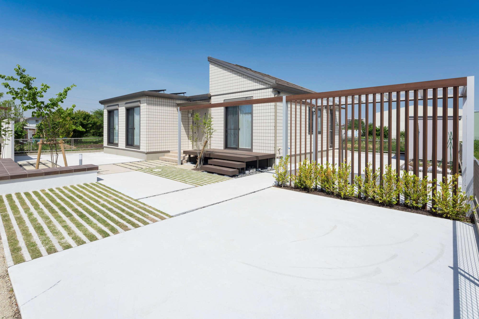 庭、ガーデン、ウッドデッキ、雑草対策、人工木デッキ