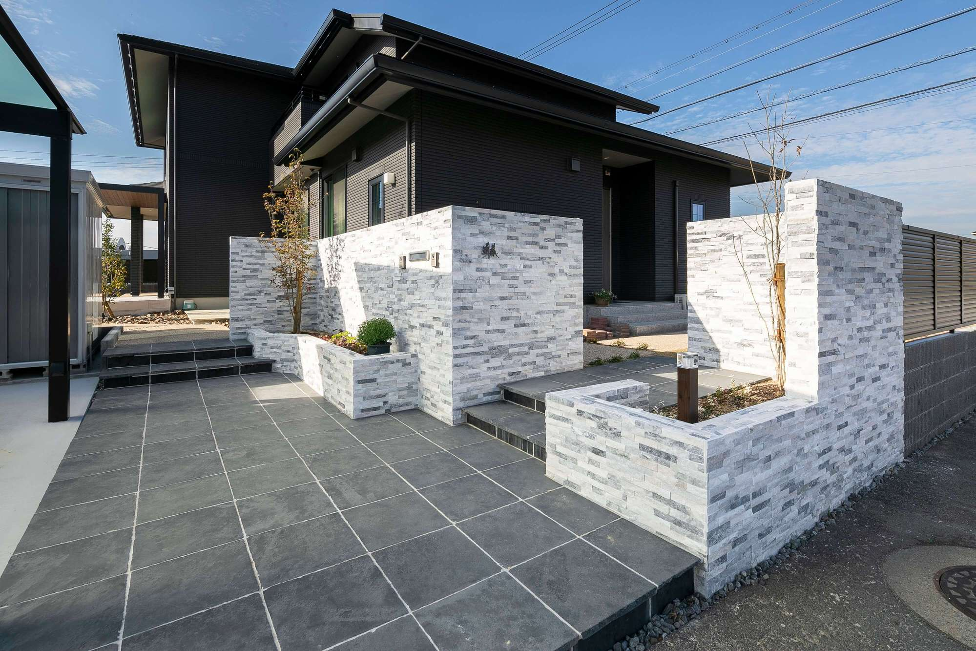 自然石 門周り 新築外構 一条工務店 二世帯住宅